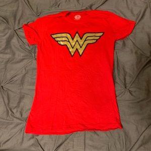 NWOT Women's Cut Wonder Woman Tshirt